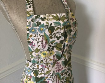 Wildflowers and Leaves Full Apron