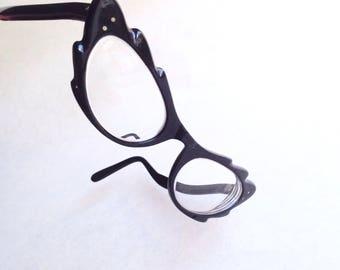 RESERVED 1950s Black scalloped edge cateye spectacles / 50s novelty zigzag cat eye glasses frames