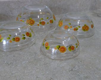 Vintage Imperial Glass SunFlowers Set Of 4 Clear Nesting Bowls 1970's Yellow Sun Flower Decor Retro Kitchen Mint!