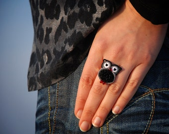 Soutache owl ring, Animal miniature, Black tiny owl totem, Woodland bird, Adjustable ring, Forest bird jewelry, Statement art jewelry, Heart