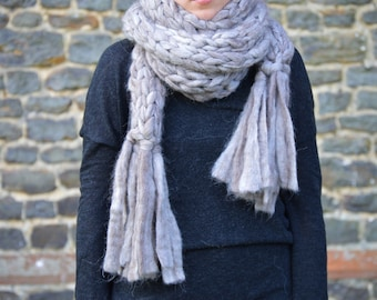 Alpaca Chunky Knit Scarf With Fringe