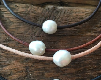 Floating Pearl Cape Cod Choker/Single Pearl Leather Choker Necklace/High Quality Pearl Choker/Simple Pearl Necklace/Cape Cod/AA 10-11mm
