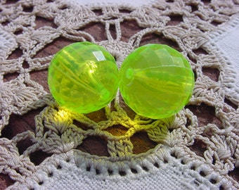 Neon Limeade Facets Vintage Lucite Beads