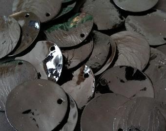 1 Dozen 10mm Dyed Shell Discs in Black
