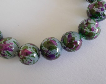 1 set of 10 beads speckled glass 12 mm