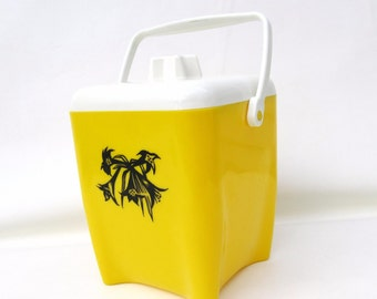 Vintage Yellow Plastic Canister with Handle Ice Bucket | Yellow Canister | 50s Barware | Ice Holder | Kitchen Canister - As Is