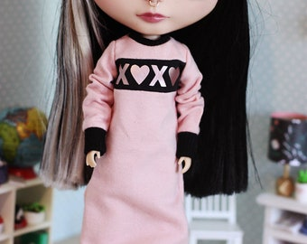 XOXO - Super long over-sized dress with long long sleeves for Blythe doll - by Icantdance