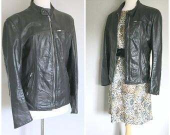 Vintage BLACK LEATHER MOTO Jacket/Motorcycle Jacket/Leather Jacket/size medium
