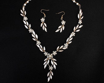 Gold Wire wrapped Leaf necklace and Earrings set ,Leaf Bridal jewelry set,Wedding Jewelry set , Bridal Jewelry NS-J5903