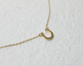 Tiny gold Horseshoe Necklace - S2225-2