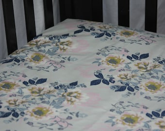 Fitted Crib Sheet / Mini Crib Sheet - Wild Posy Ethereal