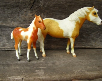 Vintage 1970's Breyer Mare & Foal Set Misty and Stormy of Chincoteague Pinto