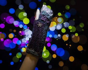Blue tinged wool gloves, fingerless gloves, mittens