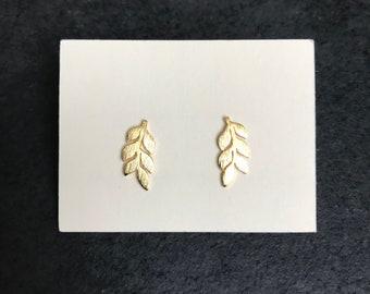 Minimalist Leaf Earrings - gold or silver