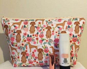 Vizsla dog makeup/toilet bag