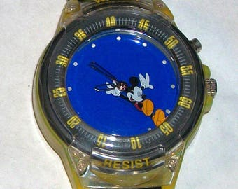 Disney Retired Animated Flashing Lights Mickey Mouse Watch! New!