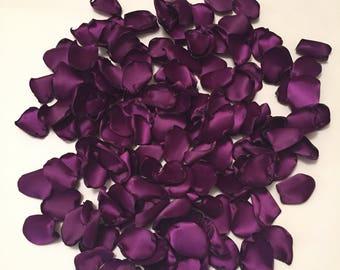 Plum Rose Petals/Plum Wedding Decor/Purple Petals/Plum Petals/Purple Wedding Decor/Southern Chic Wedding/Barn Wedding/Country Wedding