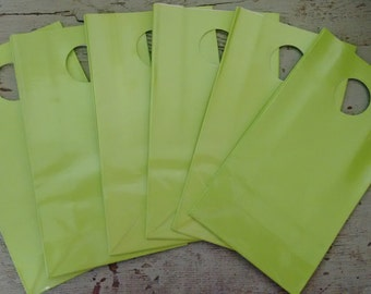Party Favor Bag.  Gift Bags. Bright Green Party Favor Gift Bags