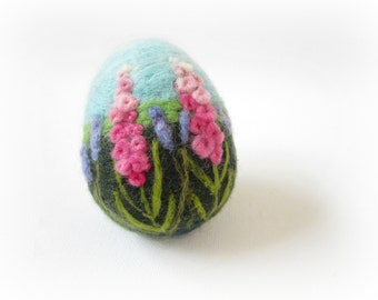 Easter Egg,Needle felted egg,Spring Ornament,Needle Felted Easter Egg with Flowers,Original Art