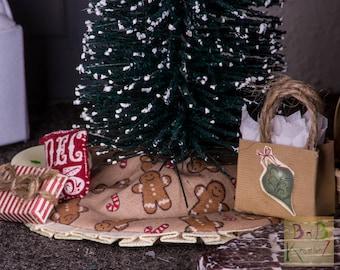 Miniature Tree Skirt (Gingerbread & Cream) -- Dollhouse Miniature 1:12 Scale
