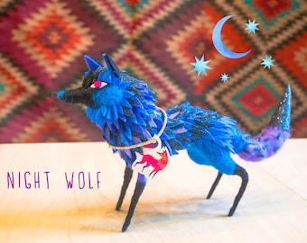 Needle felted Night Wolf / Loup Nuit en laine cardée