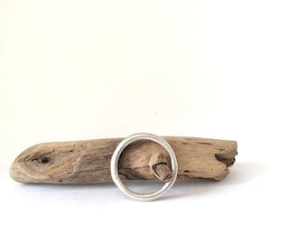 Simple Round Band