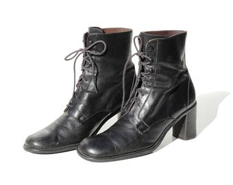 Vintage Italian Black Leather heeled Ankle Lace Boots / size 9