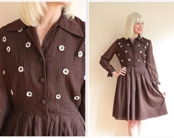 1960s Dress // Daisy Day Dress // vintage 60s dress