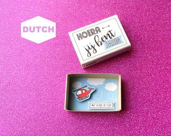 Verjaardag jongen, Verjaardagskaartje voor jongens, Piloot, Rode helikopter, Dutch birthday card, Luciferdoosje, Matchbox art, Gefeliciteerd