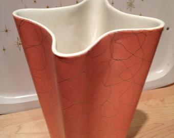 Shawnee Liana vase 1017