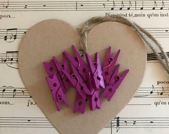 Lot 10 small fuchsia wood clips