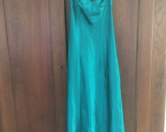 XS/Fredericks of Hollywood/Long Nightgown/Green