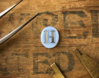 """Small Oval Letter """"H"""" Initial Cabochon (4pcs.) C07"""