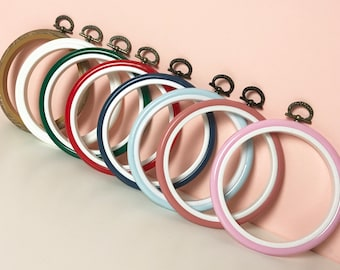 Flexi Hoop - 1x Flexible Plastic Embroidery Hoop - Choose from 8 colours - 4 inch or 2.5 inch Diameter