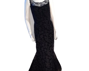 Black Lace Vintage Statement Gown - Size 4