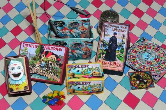 Board games, Bastelkit of paper in miniature for the Dollhouse, the doll house, Dollhouse Miniatures # 40011