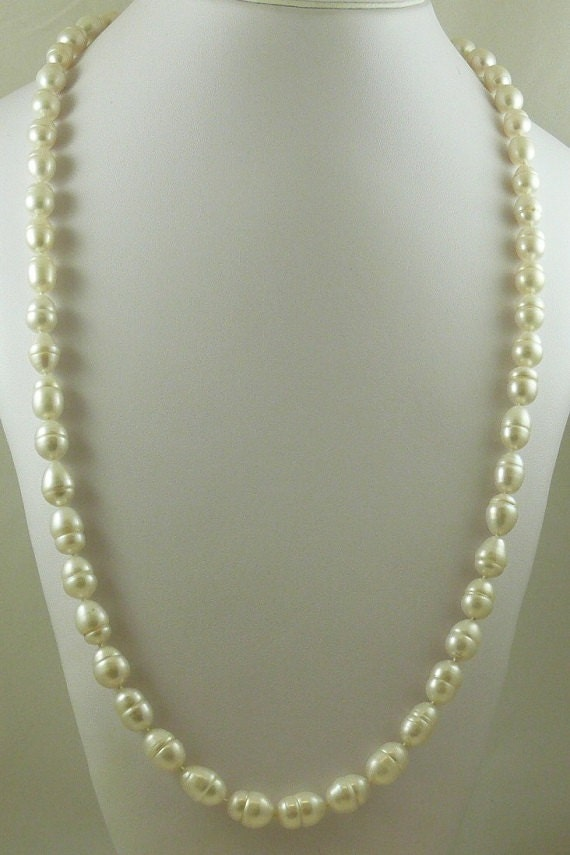 Freshwater White 9.7mm x 9mm - 13.3mm Baroque Pearl Necklace 14KY Gold Lock 33""