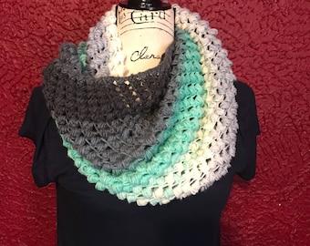 Cowl, scarf, puff stitch cowl