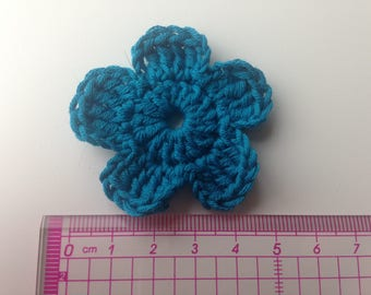 Set of 4 turquoise blue tone crochet flowers