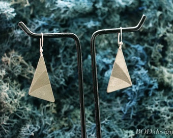 Hand carved triangle 925 silver earring