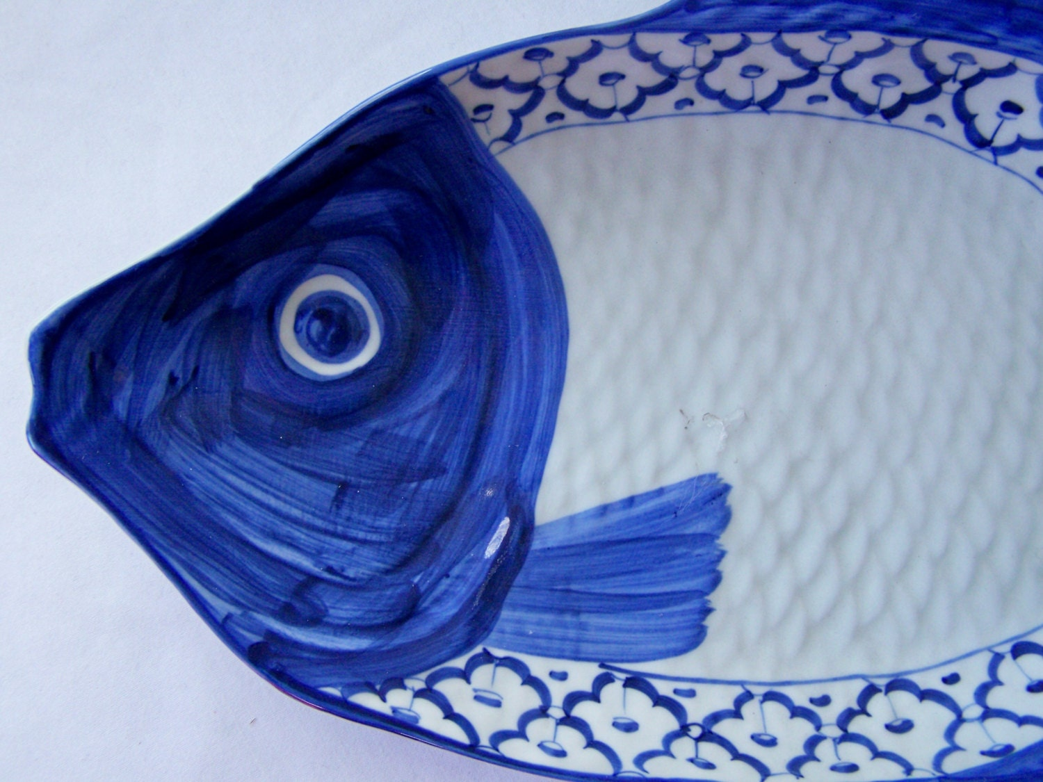 ?zoom & CERAMIC Fish Shaped PLATE Perch Hand Painted Asian Blue u0026