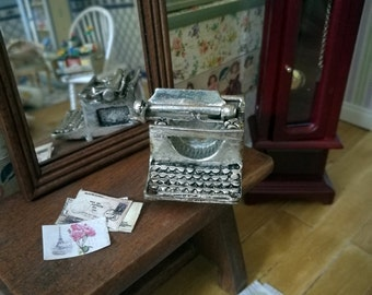 Typewriter, Dollhouse scale to 1.12 , miniature dolls house, miniature typewriter, metalic typewriter, dolls house