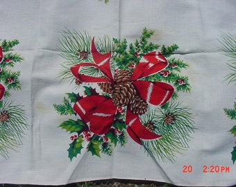 Vintage Christmas Pine Cones - Red Bows & Holly Table Cloth  18 - 941