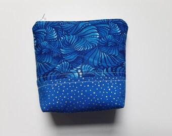 Essential Oil Bag / Essential Oil Travel Bag / Essential Oil Pouch / Essential Oil Clutch / Blue Swirls / Holds 5 Oil Bottles