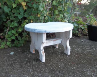 White Wooden Stool DIstressed Footstool Stool for Child Plant Stand Garden Decor Wood Stool Painted Stool Cottage Chic Bathroom Stool
