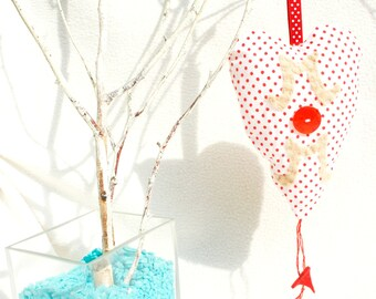 Heart ornament with felt and button MOM sign, fabric ornament, white and red polka dot, Mother's day gift, home decoration, handmade