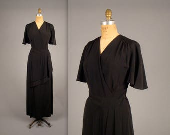 1940's beautiful black evening gown • vintage cocktail dress • rare plus sized vintage volup dress