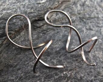 small NIOBIUM  EARRINGS  coil spiral twist corkscrew  grey modern minimal nickel free . metal allergies . No.00E312
