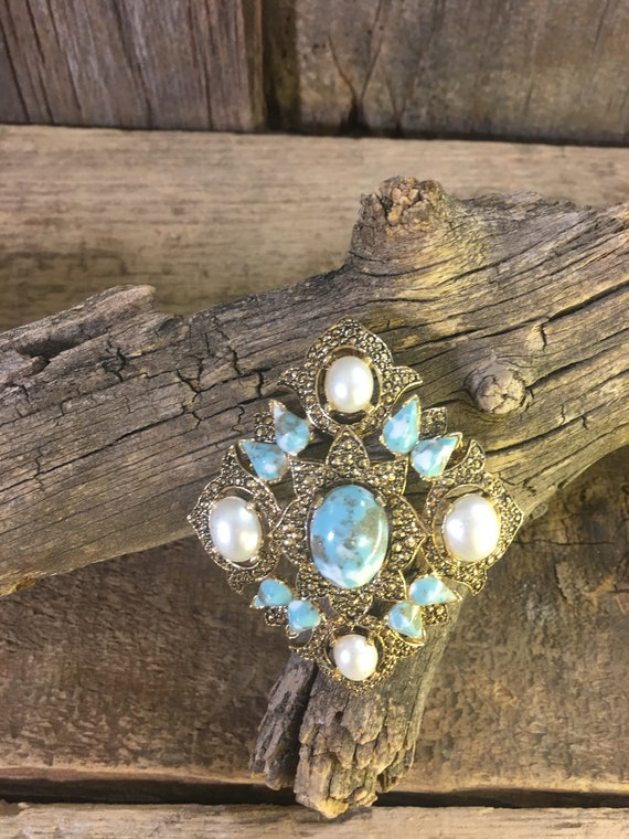 Vintage Sarah Coventry Remembrance brooch, beautiful faux turquoise and pearl like pendant, simply beautiful vintage brooch/pendant