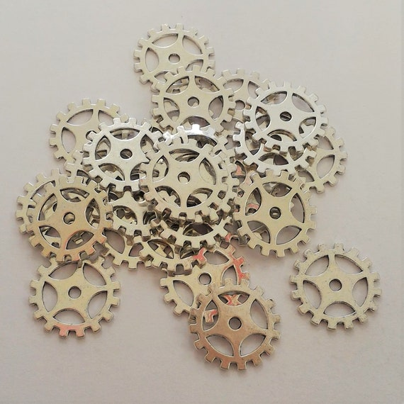 "CLEARANCE 28 pcs Steampunk Clock Gears Cogs Charms Metal Bike Steampunk Jewelry Silver Metal Watch Gears 3/4"" Diameter Bicycle Gears"